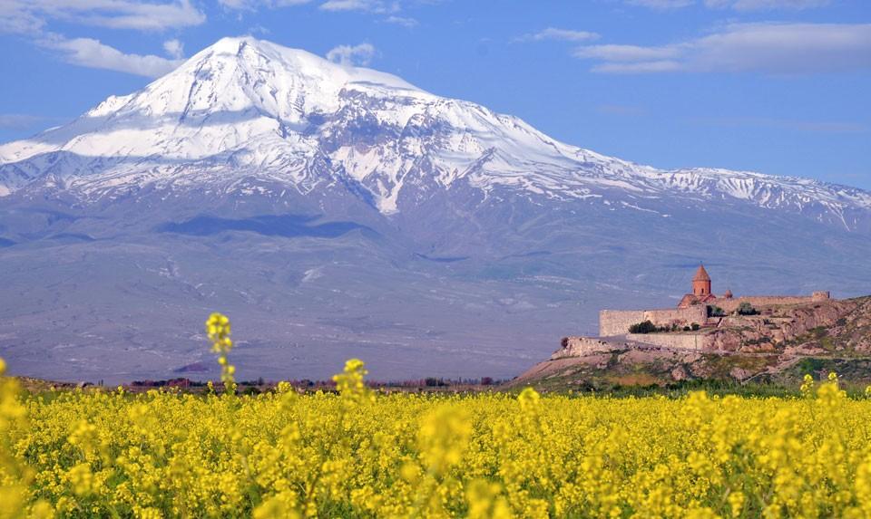 Хор Вирап и гора Арарат
