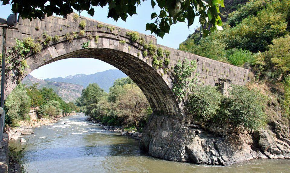 Старый мост Санаина
