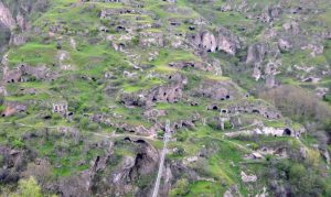 Khndzoresk Caves