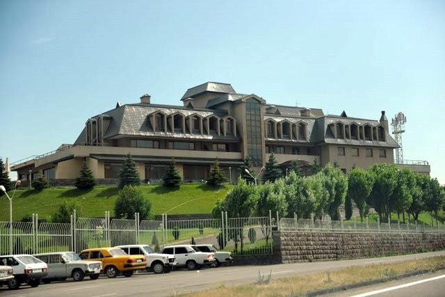 Harsnaqar Hotel Complex